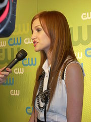 Ashlee Simpson-Wentz at CW Upfront 2009 2.jpg