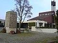 Aussegnungshalle Friedhof Rommelshausen - panoramio.jpg