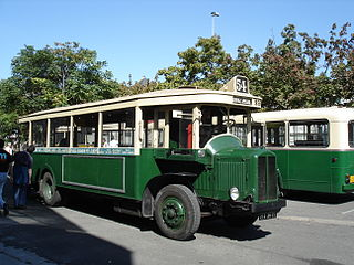 A parisian bus built in 1932