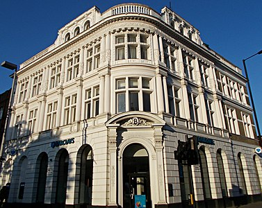 Barclay's Bank building, Sutton (Surrey), Greater London 03.jpg