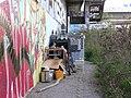 Barrandovský most, obydlí bezdomovce.jpg