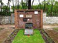 Baruth Mark Sowjetischer Ehrenfriedhof Gräber hinter Ehrenhalle.JPG
