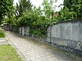 Bautzner Straße 103–107 Mauer zur Radeberger Straße.jpg
