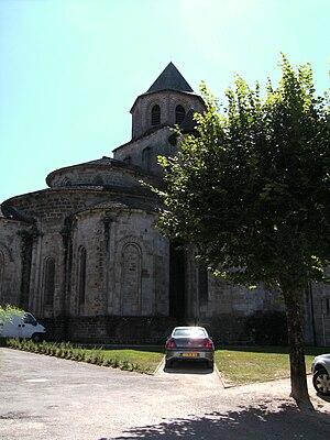 Beaulieu-sur-Dordogne - Image: Beaulieu sur Dordogne church east