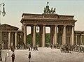 Berlin Brandenburger Tor um 1900.jpeg
