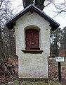 Bildstock (Kreuzigungsszene) bei Aremberg.JPG