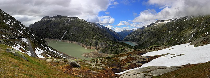 Panorama view of the Lake Grimsel and Räterichsbodensee in Switzerland