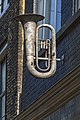 Blowing the horn (14810116464).jpg