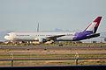 Boeing 767-3G5ER 'N586HA' (13128829153).jpg