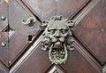 Bolzano, palazzo mercantile, lato portici (13860), portale, 02 maniglia.jpg