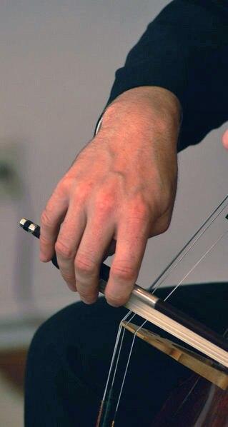 Bow hand Violoncello