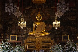 Buddha image in the ubosot of Wat Arun.jpg