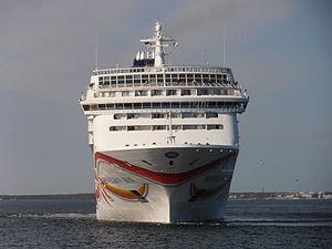 Bugansicht der Norwegian Sun Tallinn am 25. Mai 2012.JPG