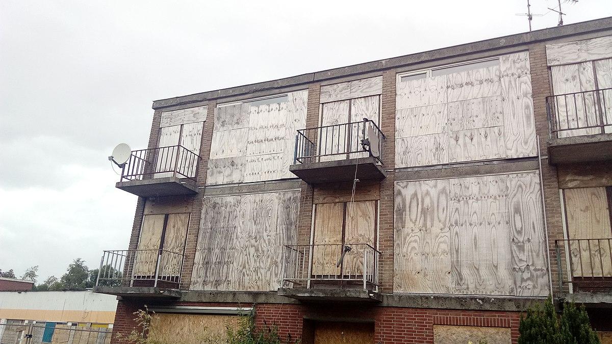 File:Buildings prepared for demolition in the Mr. D.U ...