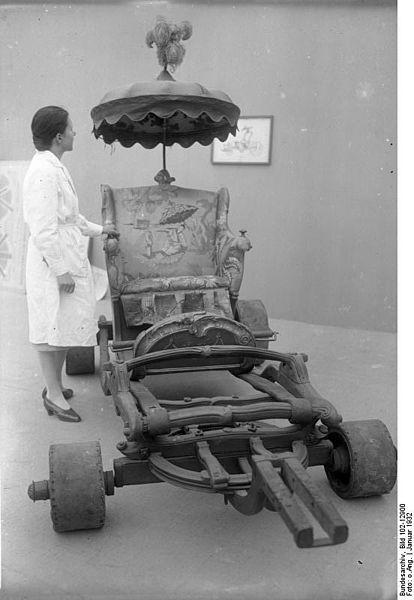 File:Bundesarchiv Bild 102-12900, Prunkwagen im Museum.jpg