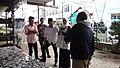 Bupati Trenggalek dan istri sedang bercengkrama dengan masyarakat di Ciputat, Tangerang Selatan.jpg