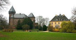 Burg Linn mit angrenzendem Jagdschlösschen