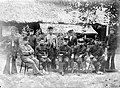 COLLECTIE TROPENMUSEUM De bivakcommandant Lt. de Borst van Panton Ma'moe (Teunom) met naast hem het landschapshoofd T. Radja Oesén Atjeh TMnr 10001507.jpg
