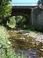 Camplong (Hérault, Fr) l'Espaze avec un pont.JPG