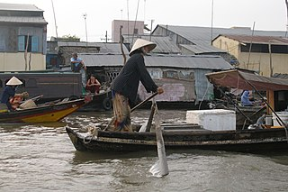 File:Can Tho, Vietnam, Floating Market, Rawing.jpg - Wikimedia Commons