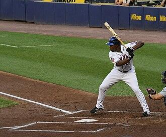 Carlos Delgado - Delgado in mid-swing