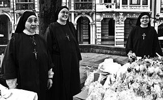 Carmelitas Samaritanas del Corazón de Jesús a Avilés, del Monasterio de Santa María de Valdediós.jpg