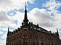 Casa Botines - Flickr - Cebolledo (3).jpg