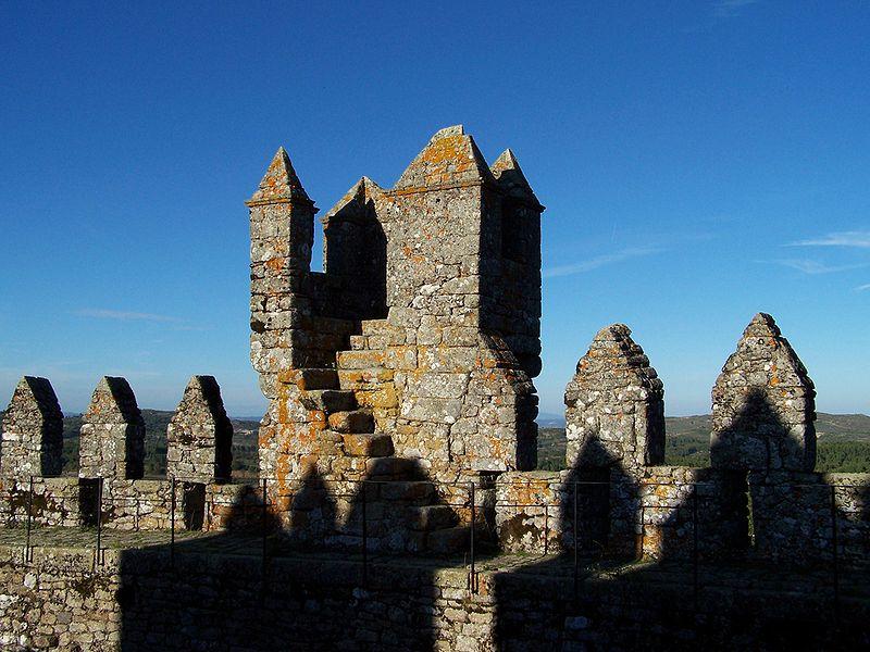 Imagem:Castelo de Penedono 3.jpg