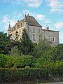 Castets-en-Dorthe, Gironde, le château.JPG