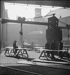 Cecil Beaton Photographs- Tyneside Shipyards, 1943 DB74.jpg