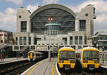 Charing Cross station MMB 15 375808 465043 465008.jpg