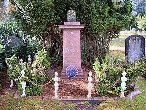 Charles Bradlaugh - Bradlaugh's grave in Brookwood Cemetery