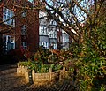 Charter House gardens, SUTTON, Surrey, Greater London - Flickr - tonymonblat.jpg