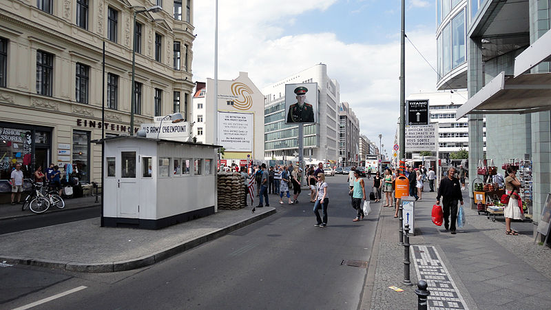 file checkpoint charlie 5945843990 jpg wikimedia commons. Black Bedroom Furniture Sets. Home Design Ideas