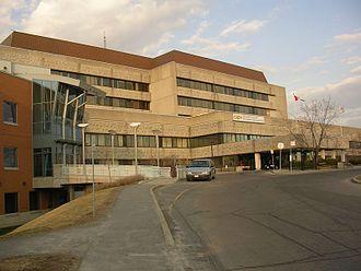 Children's Hospital of Eastern Ontario - Front entrance