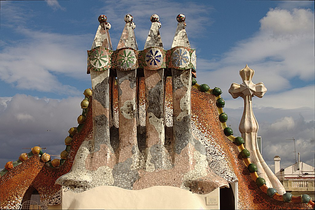 Cheminées de la Casa Batlo de Gaudi à Barcelone - Photo © José Luiz Bernardes Ribeiro / CC BY-SA 3.0