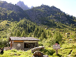 Aiguilles Rouges National Nature Reserve - The information cabin at the Col des Montets