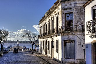 First Treaty of San Ildefonso - Colonia del Sacramento; the wharf built by Spain in 1860