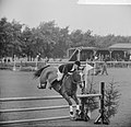 Concours Hippique in Sportpark Rightersbleekte Enschede de Duitse Ute Richter vi, Bestanddeelnr 915-2874.jpg