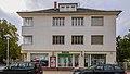 Coswig Bahnhofstraße 1 Wohnhaus in Ecklage und offener Bebauung II.jpg