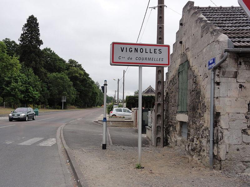 Courmelles (Aisne) city limit sign Vignolles