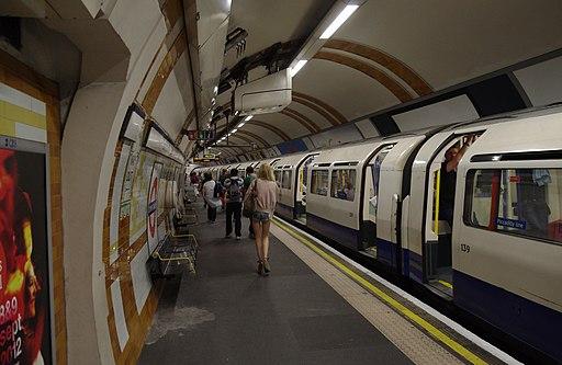 Covent Garden tube station MMB 01 1973-Stock