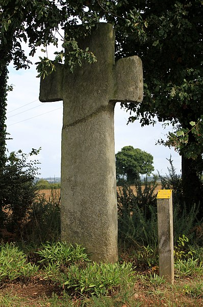 Croix de la Brassée (Guillac) de face