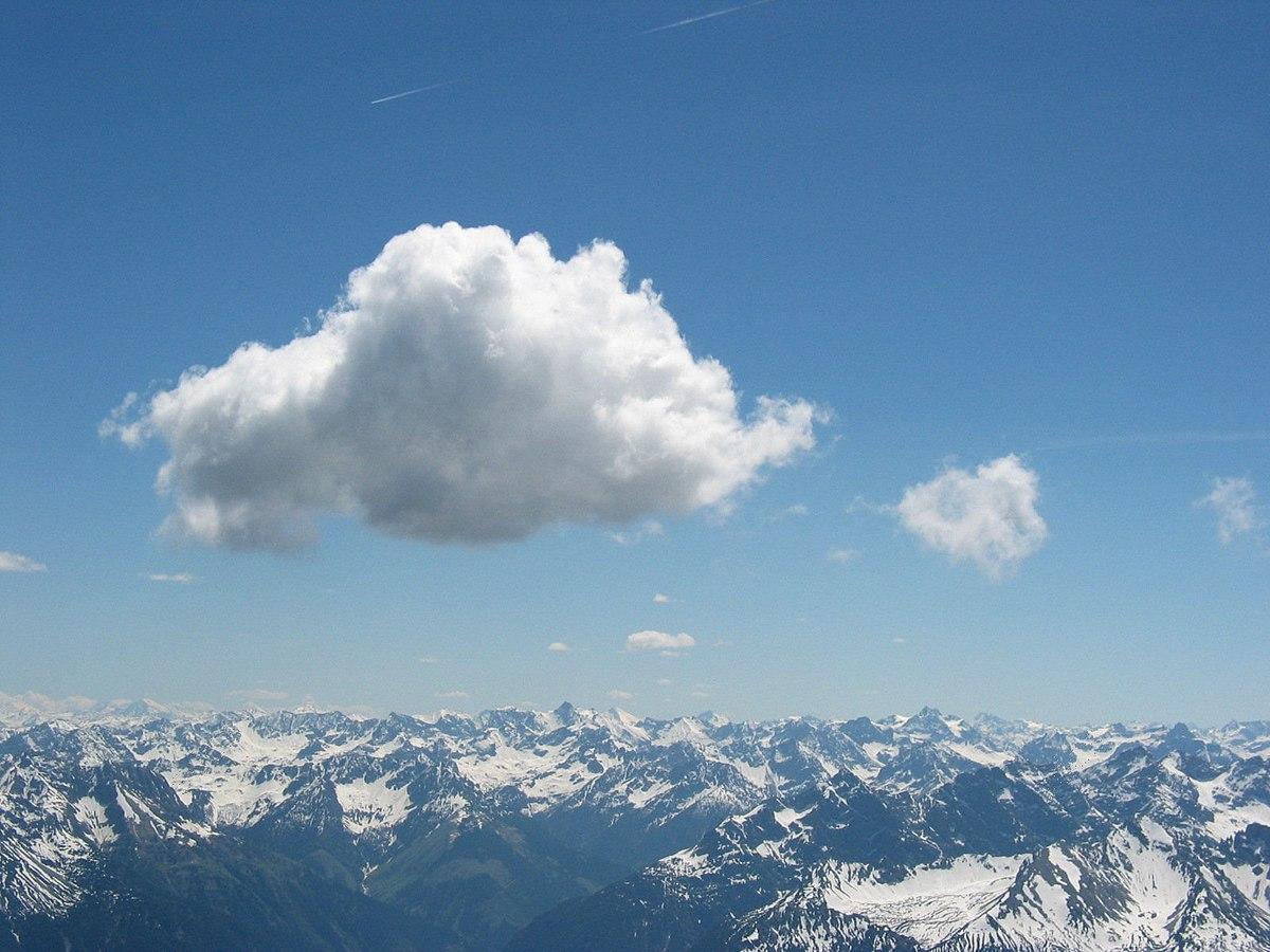 Cumulus cloud above Lechtaler Alps at tannheim, Austria., Wolken Wetter erkennen