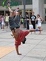 Danseur de Hip Hop sur lAlexander Platz (Berlin) (2705385591).jpg