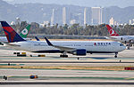 Delta Air Lines, Boeing 767-332(ER), N1611B - LAX (22926458686).jpg