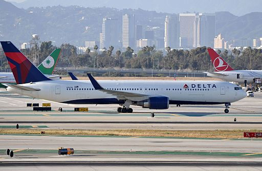 Delta Air Lines, Boeing 767-332(ER), N1611B - LAX (22926458686)