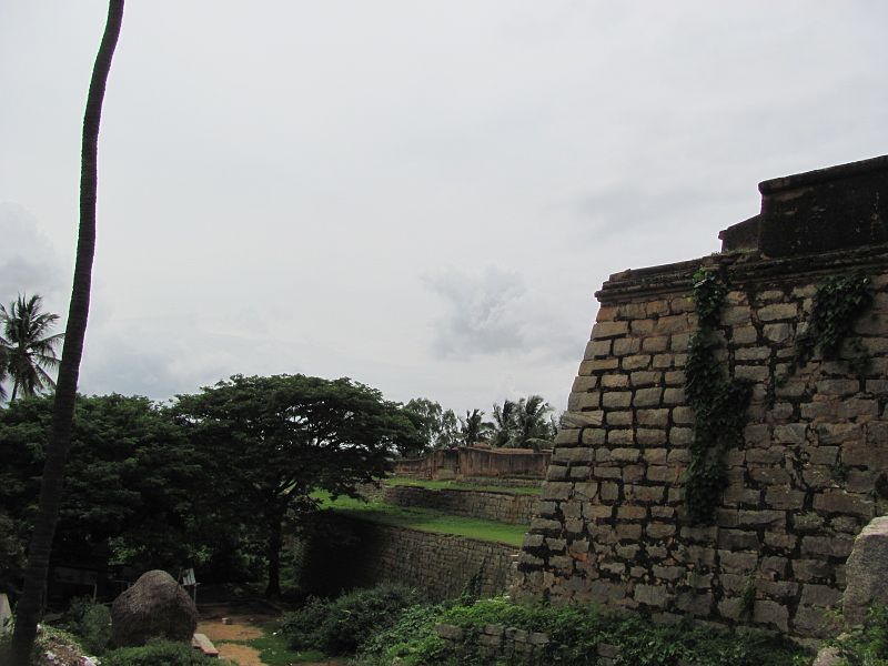 File:Devanahalli Fort side.jpg