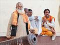Devant le Ram Raja Temple (Orchha) (8451603428).jpg