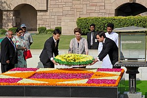 Brazil–India relations - Brazilian President Dilma Rousseff at Rajghat